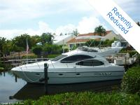 This is a Captain kept 2001 Azimut 42 Flybridge!