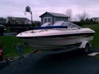 -This is a nice 2001 Bayliner 1950 (20') Capri Bowrider