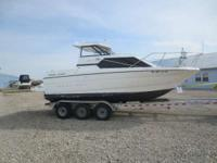 Boats Cruisers. 2001 Bayliner 2452 Ht Nice boat- Come