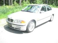 Stunning 2001 BMW 330i in EXCELLENT condition !! Hard
