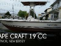 - Stock #081070 - This is a 2001 Cape Craft 19. The
