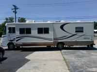2001 Damon Day Cruiser 3270  1 Large Slide Out