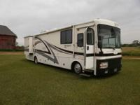 2001 Discovery by Fleetwood 37 feet cumings new