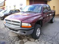 Exterior Color: maroon, Body: Quad Cab 4X4, Engine: 4.7