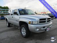 Magnum 5.9L V8 SMPI, 4WD, **CLEAN CARFAX**, and **LOCAL
