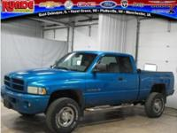 Exterior Color: patriot blue pearl, Body: Extended Cab