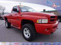 Magnum 5.2L V8 SMPI, 4WD. New Price! Clean CARFAX. 2001