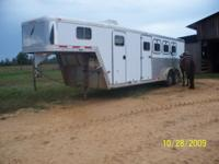 2001 Featherlite 4 horse, LQ, 8ft shortwall, fridge,