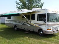 2001 Fleetwood Bounder 34D For Sale in Johnstown, Ohio