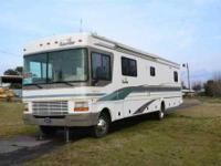 2001 Fleetwood Bounder 36K Class A New tires, bedroom