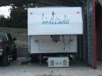 2001 Fleetwood Mallord Travel Trailer. Can sleep 6 to 7