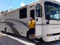 2001 Fleetwood Expedition (Class A) RV, stylish