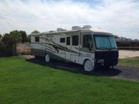 2001 Fleetwood Pace Arrow Vision. A 2001 Fleetwood Pace