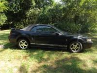 2001 ford mustang convertible, 6 cyl. Auto, 6 disc
