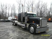 2001 Freightliner Classic Sleeper Tractor with 894,882