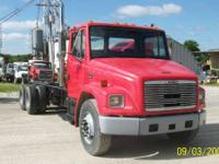 2001 Freightliner FL-80 LWB TANDEM Truck is 2001