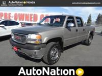 This 2001 GMC Sierra 2500HD SL is offered to you for