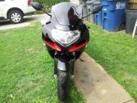 2001 GSXR 600 FOR SALE. IT HAS 25*** MILES, BUT LESS