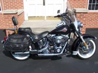 THIS IS A BEAUTIFUL 2001 HERITAGE SOFTAIL,THIS BIKE