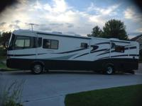 2001 Holiday Rambler Endeavor M-40PBD. Only 14000