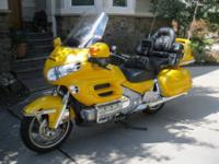 2001 Honda Goldwing GL1800. Display room Condition with