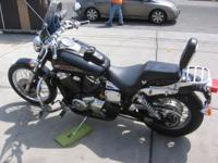 A REAL BLACK BEAUTY LOTS OF CHROME WIND FAIRING 10,514