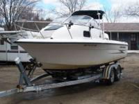 2001 Hydra Sports Sea Horse 212 Walk-Around. 2001 Hydra