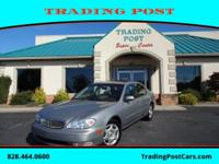 This 2001 Infiniti I30 4dr Sdn Luxury is offered to you