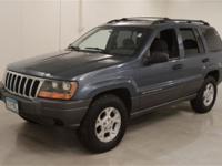 Drivetrain: 4WD Transmission: Automatic Interior