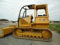 2001 John Deere 650H LGP bulldozer with 6 way blade,