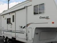 2001 Keystone Cougar 28' 5th Wheel Camper for sale. Two