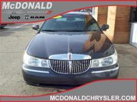 Options:  2001 Lincoln Town Car Executive  Sedan|Miles: