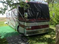 2001 Monaco Windsor in Excellent Condition. Recently