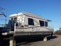 35x10 myacht houseboat 125 mercury outboard onan