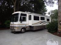 Very Popular 2 Slide Out Spacious Floorplan, Smoke &
