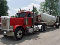 2001 PETERBILT 379 DAYCAB - 10 SPEED TRANS - 11/24.5