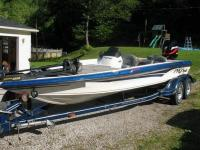 I am selling my 2001 ProCraft SuperPro 210 SC. Equipped