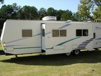 IMMACULATE! Fleetwood 2001 Prowler Classic, Sleeps 10,