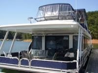 Boat Type: Power What Type: Houseboat Year: 2001 Make: