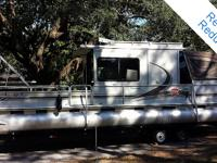 2001 Suntracker 32 celebration cruiser is an