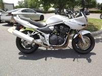 Motorcycles Standard/Naked 8301 PSN . 2001 Suzuki