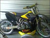 2001 RM 125 Nothing loose on this bike. the chain and