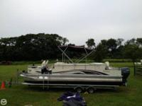 2001 26' Tahoe Grand Fisher pontoon Powered by a 80 HP