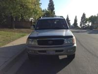 TOYOTA LAND CRUISER SUV in Great condition, FULLY