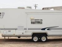 2001 Trail-Lite by R-Vision 5th fifth Tire Trailer.