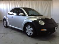 2001 Volkswagen New Beetle 2dr Car GLX Our Location is: