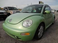 WOW!!! SUPER CLEAN AND SUPER NICE 2001 VW NEW BEETLE