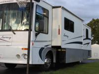 2001 Winnebago Journey 34b, Low miles, generator, new