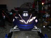 Extremely nice 2001 Yamaha SXR 600 snowmobile with