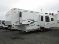 2001 Carriage Cameo LXI 5th wheel...2 slideouts...30
